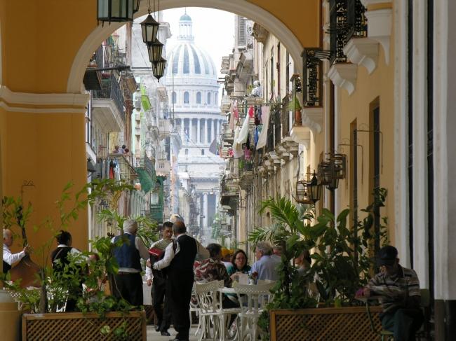 VIAJE A HOLGUIN, VARADERO Y LA HABANA DESDE ARGENTINA - Holguin / La Habana / La Habana / Varadero / Varadero /  - Buteler en La Habana
